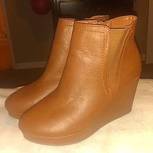 Brown Size 9 US wedge booties